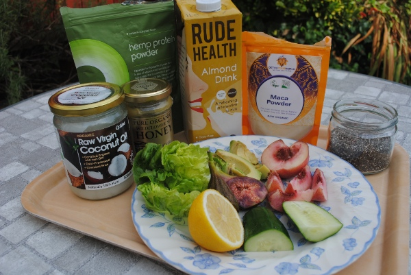 Peach and fig smoothie ingredients