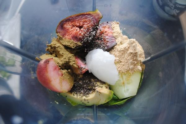 Peach and fig smoothie ingredients in blender
